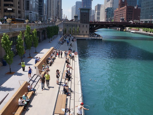 636356122996525412-ChicagoRiverwalk.JPG