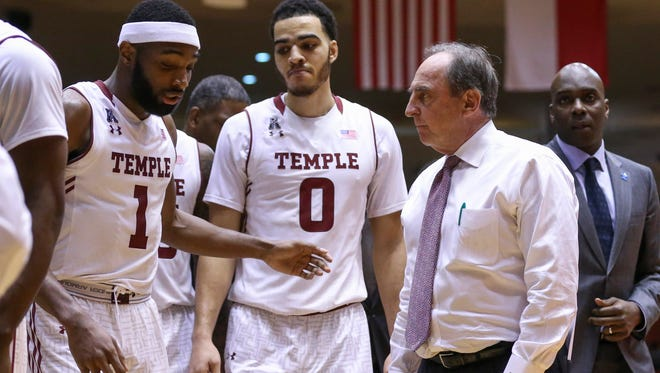 Temple head coach Fran Dunphy talks with his team during a timeout in the second half against the Houston Cougars at Hofheinz Pavilion in February.