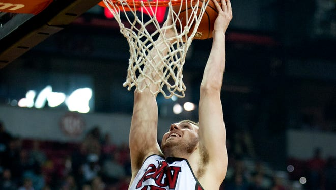 New MSU forward Ben Carter averaged 8.6 points, 6.0 rebounds and 1.4 blocks in 24 minutes for UNLV last season and shot 55.6 percent from the field.