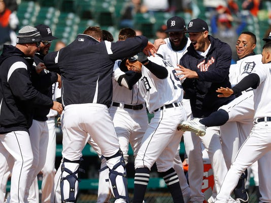 636596650460278558-AP-Orioles-Tigers-Baseball-M-10-.jpg