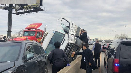 Gov. Andrew Cuomo pulled over to help a driver involved in a car accident on the BQE Monday.