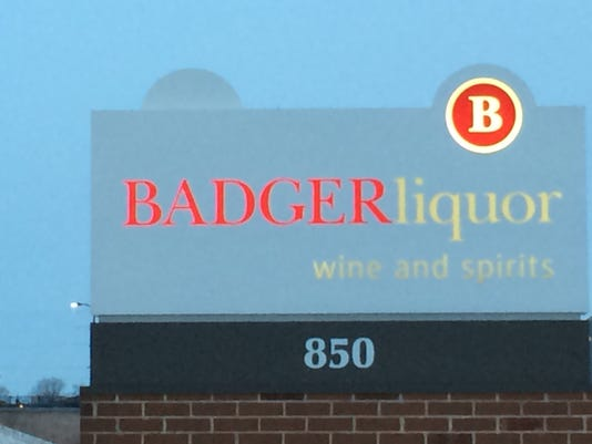 635569940655107216-badger-liquor