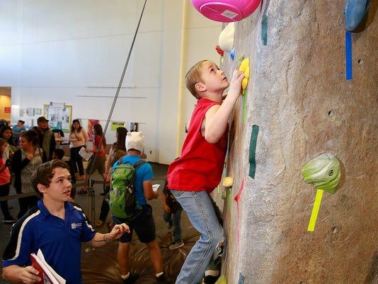 FMN-Climbing-1027-6.jpg