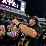 Mississippi State coach Dan Mullen helps headline the 2016 Road Dawgs Tour.