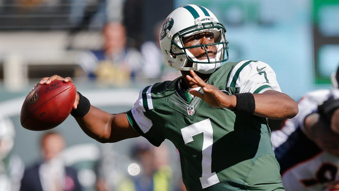 Jets coach Rex Ryan has decided to stick with struggling QB Geno Smith as the starter for Thursday night's game against the Patriots.