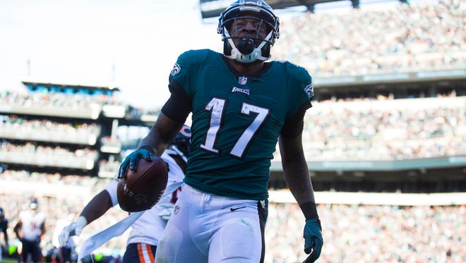 Eagles Alshon Jeffrey celebrates after scoring against the Bears Sunday at Lincoln Financial Field.