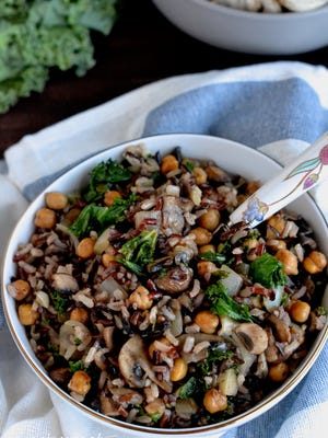 Fiber packed and nutrient dense foods combine in this powerfully nutritious bowl. Brown rice, mushrooms, chickpeas and kale offer protein, vitamins and minerals to replenish your body.