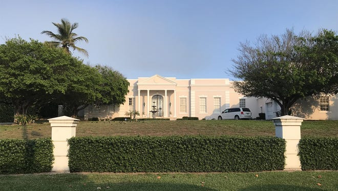 Bought in 1992 by the late billionaire Raymond Perelman and his late wife, Ruth, this oceanfront Palm Beach Regency house at 965 N. Ocean Blvd. in Palm Beach just changed hands privately for $28.57 million, the price recorded Thursday with the deed. The Perelmans were the parents of billionaire investor and businessman Ron Perelman.