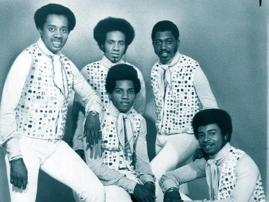 The Temptations in 1972. Back row, left to right: Melvin