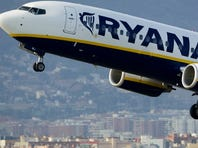 EU blocks Ryanair bid to buy Ireland's Aer Lingus
