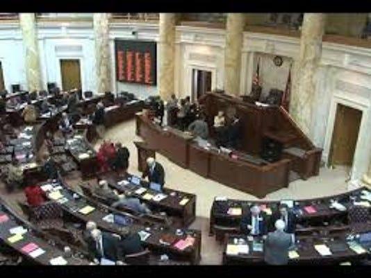 635621350510721819-legislature