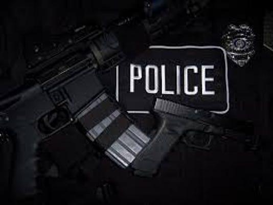 635671359298955146-police