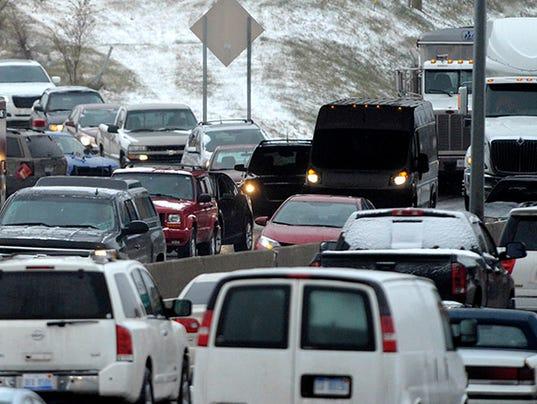 636493803573512374-auto-accident-winter-FILE.jpg