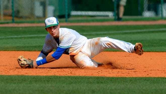 West Florida's Robert Lopez makes the play at third against West Alabama Saturday during the first game of a double header at Jim Spooner Field.