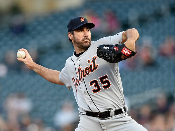 Tigers pitcher Justin Verlander delivers a pitch against