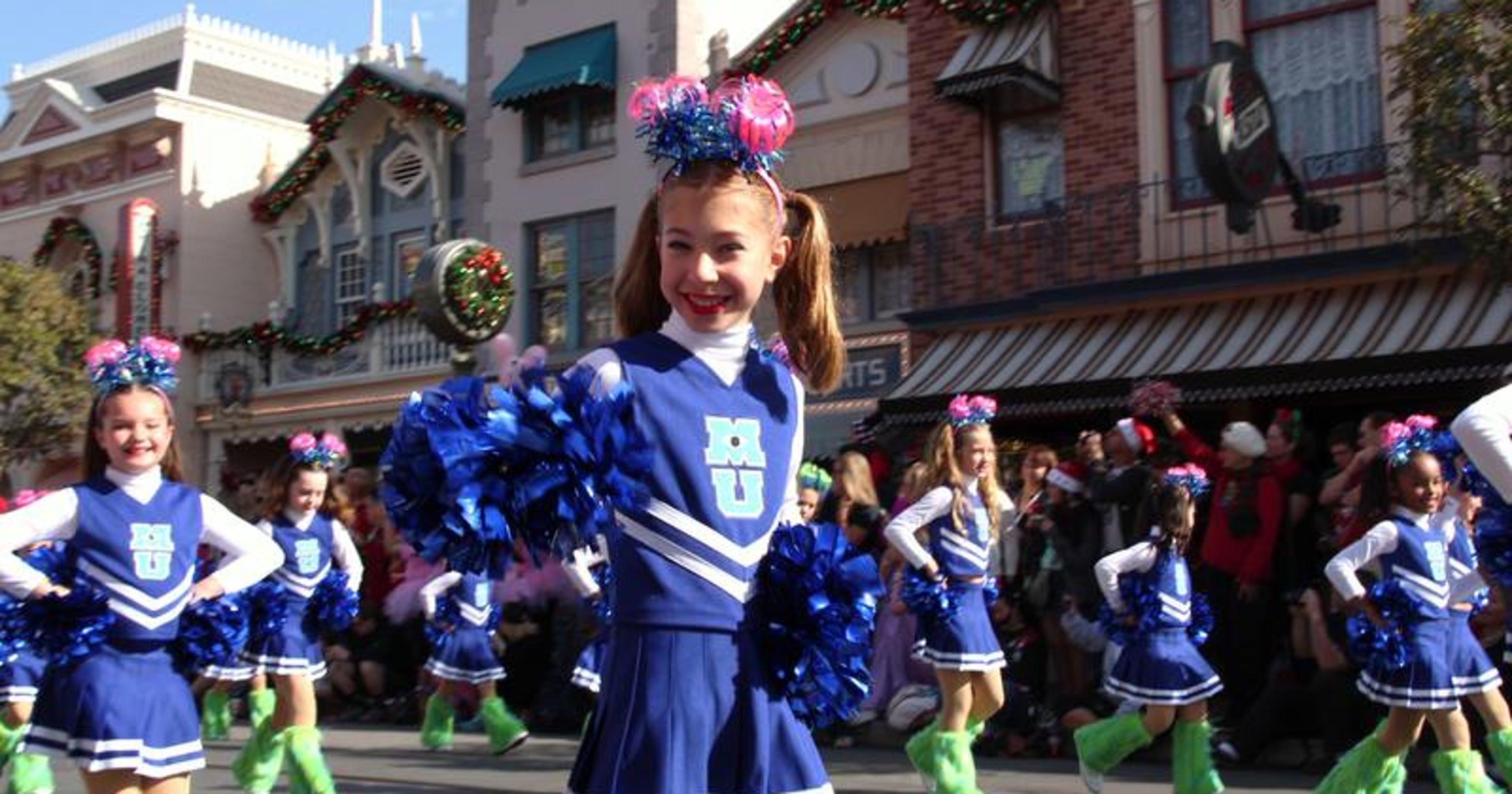 Disney Christmas Parade.Jenny S Dance Studio Will Perform In Disney S Christmas
