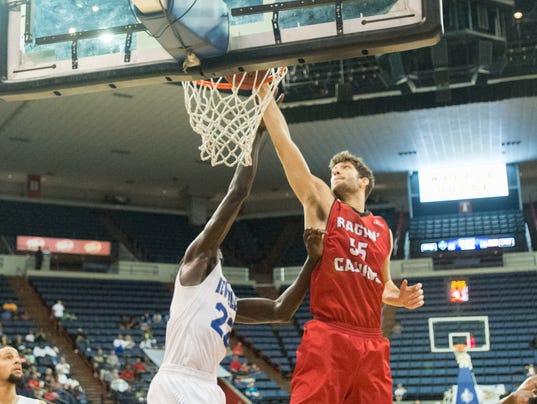636175946527281333-cajuns.uno.basketball.12.17-0248.jpg