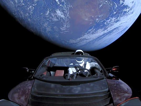 636537060653014869-fh-demo-starman-earth3.jpg