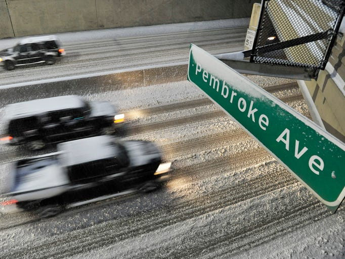 Traffic on the snow-covered Lodge Freeway in Detroit