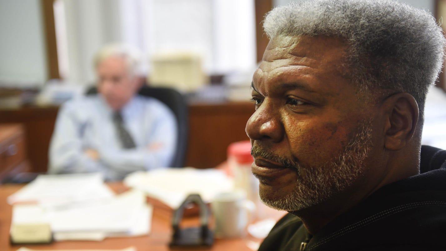Detroiter sues arena contractor, alleges racism