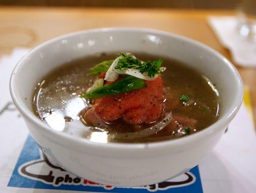 Beef pho from Pho Lang Thang (Photo: Sam Greene, Cincinnati Enquirer)