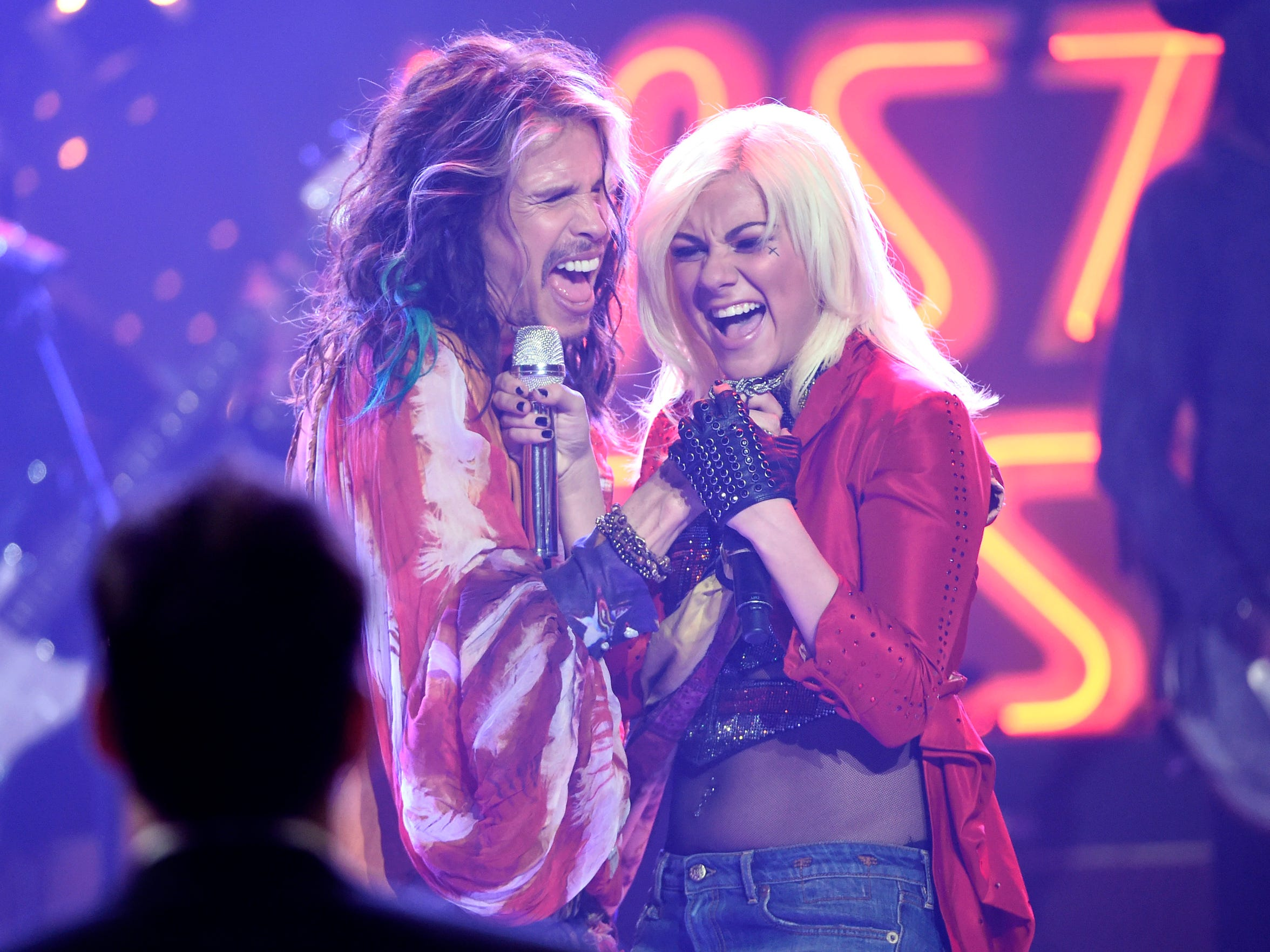 "Steven Tyler and Jax perform at the ""American Idol"""