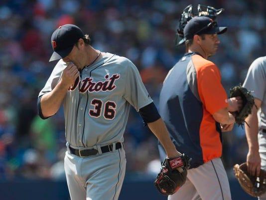 AP_Tigers_Blue_Jays_Baseball (4) (2).jpg