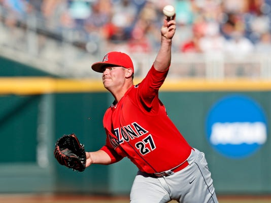 USP NCAA BASEBALL: COLLEGE WORLD SERIES-ARIZONA VS S BBC USA NE