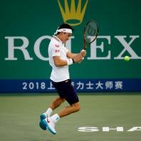 Federer battles, Djokovic cruises, del Potro out in Shanghai