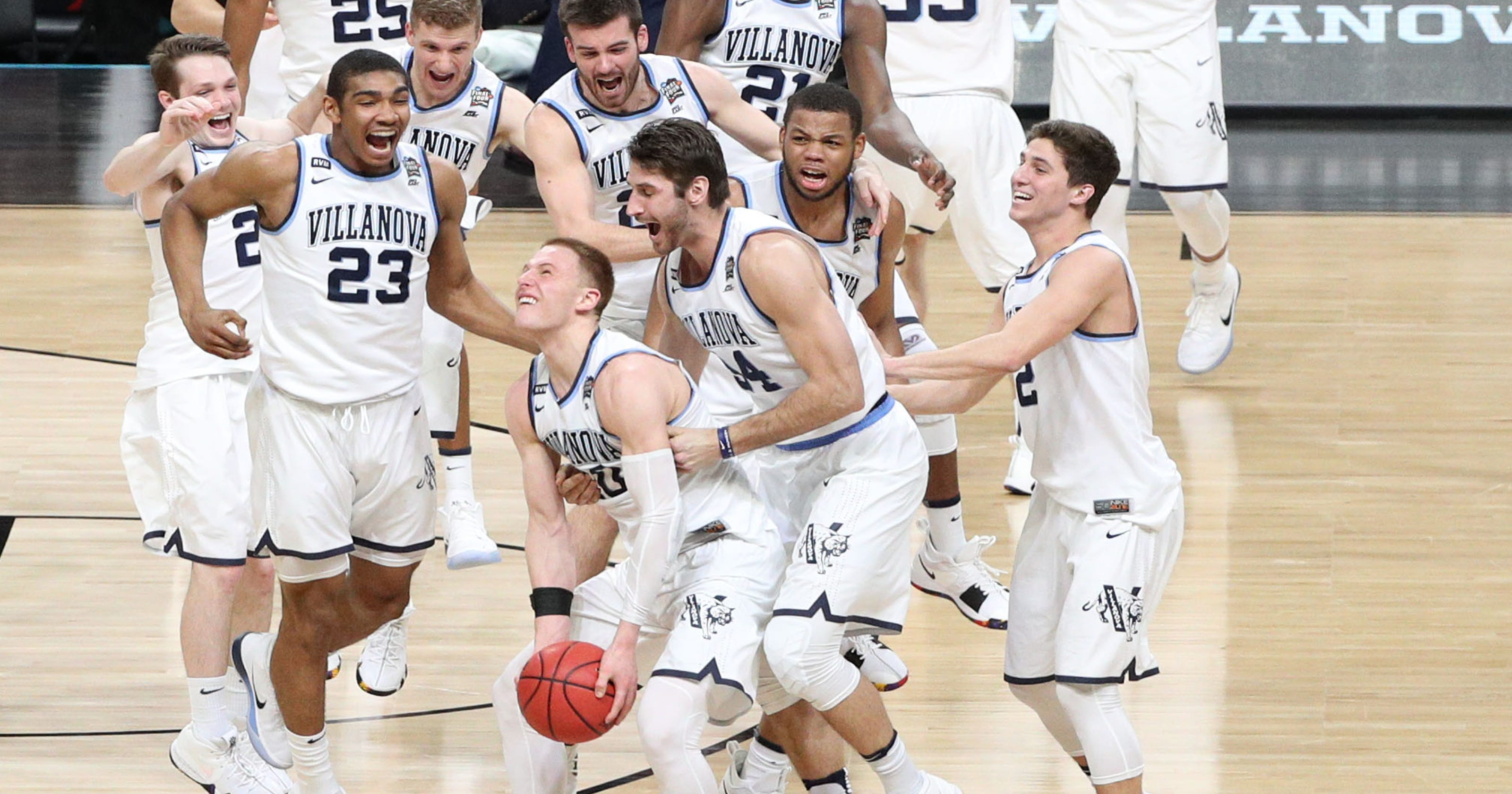 a4c20803093 National championship goes to dominant Villanova led by Donte DiVincenzo