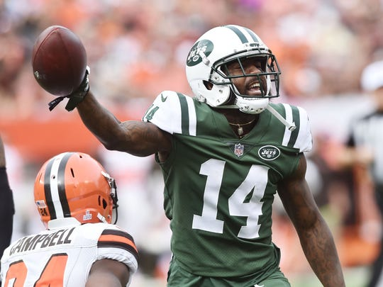 Oct 8, 2017; Cleveland, OH, USA; New York Jets wide receiver Jeremy Kerley (14) celebrates after a first down catch during the second half against the Cleveland Browns at FirstEnergy Stadium. Mandatory Credit: Ken Blaze-USA TODAY Sports