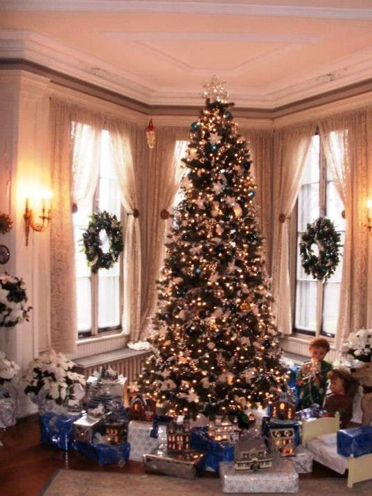locust grove mansion tours 1jpg - Mansion Christmas Decorations