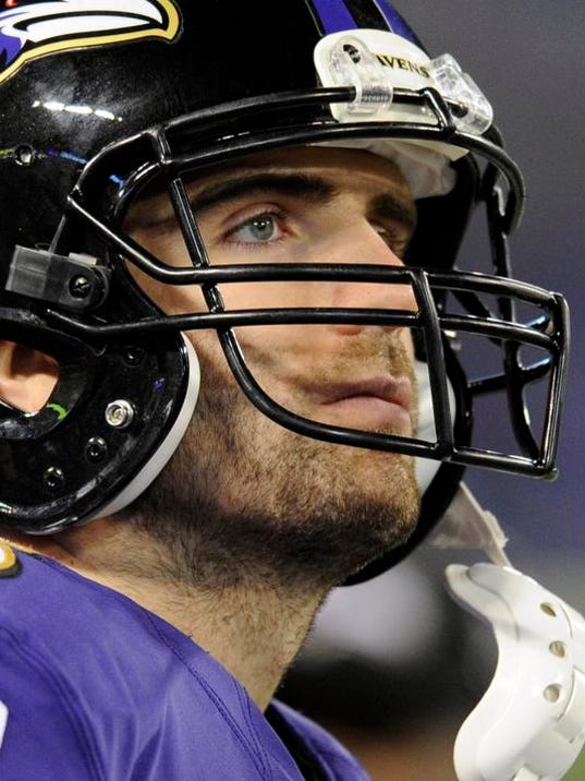 Patriots Ravens Footb_Holl.jpg