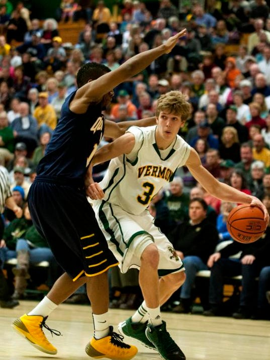 BUR 0129 uvm men hoops