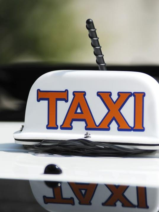 TCL taxi 05.jpg