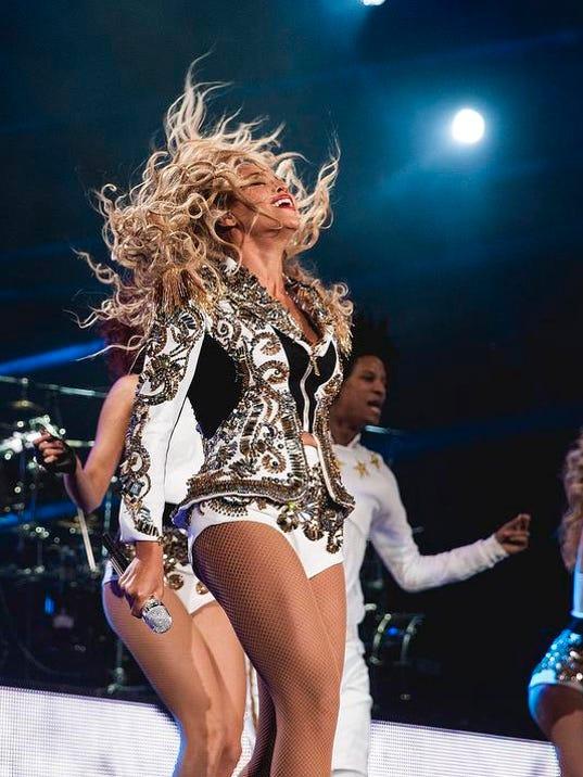 -Beyonce - Mrs. Carter World Tour - St. Louis.JPEG-0d202.jpg_20131215.jpg