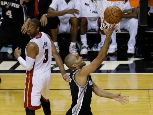 2-NBA Finals Spurs Heat Basketball (2)