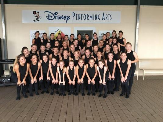 635959218950919423-dance-academy.JPG