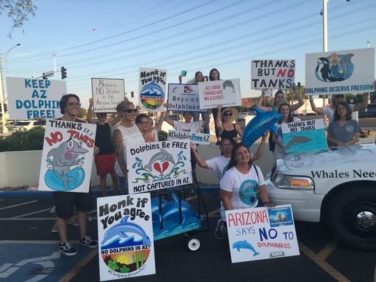 Dolphin Free AZ protests the construction of Dolphinaris