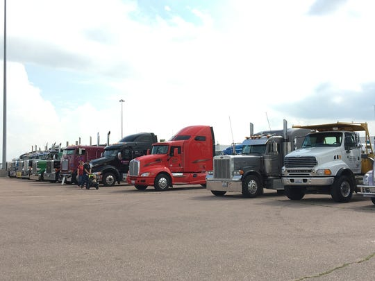 More Than 150 Semi Trucks Convoyed At The World S Largest