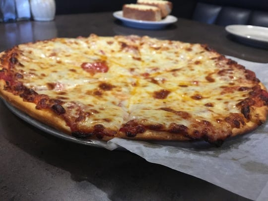 Where To Eat Pizza In Des Moines 2019 Edition