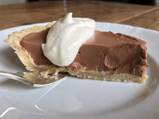 No one will feel cheated by this low-sugar chocolate pie.