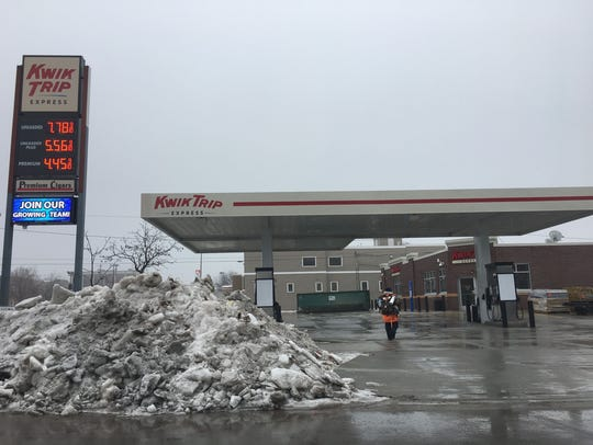 The Kwik Trip Express at 515 W. Walnut St. will open