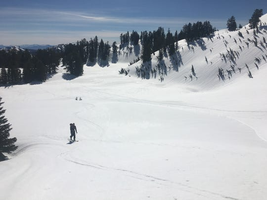 A skier in the Ridge Lakes area of Lassen Volcanic