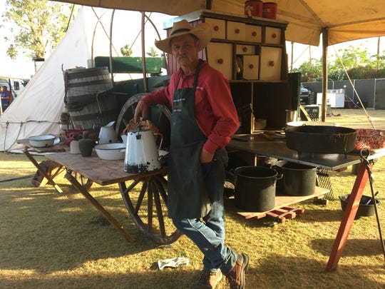 Cowboy Cook Kent Rollins at Stagaecoach 2017.