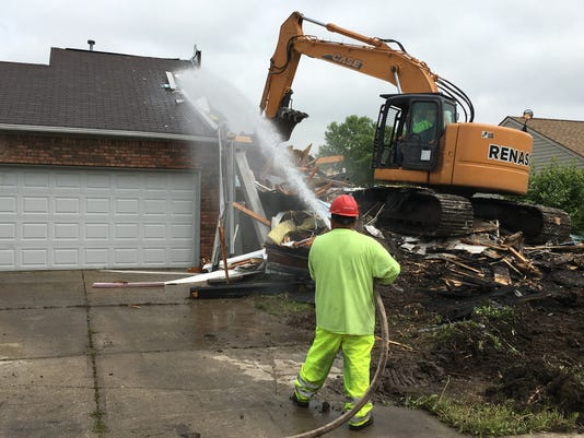 636299472097524576-demolition.jpg