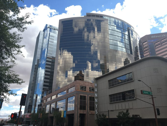 Topexecutives at 41largecorporations in Arizonaearned