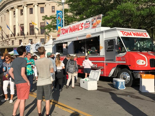 Tom Wahl's food truck