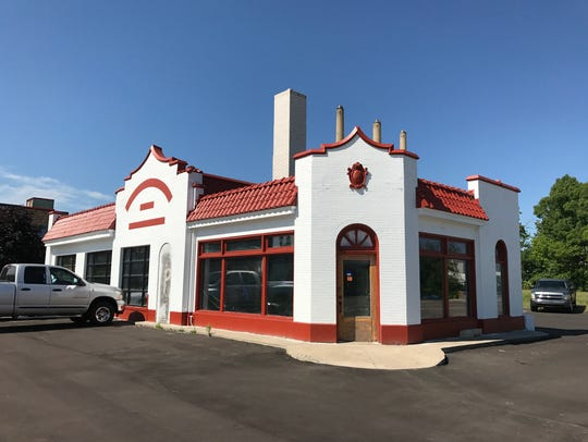 Pablo Maldonado will turn the former Standard Oil station at 1102 S. Washington Ave. in REO Town, into Pablo's Mexican Restaurant. Maldonado runs Pablo's Panaderia in Old Town.