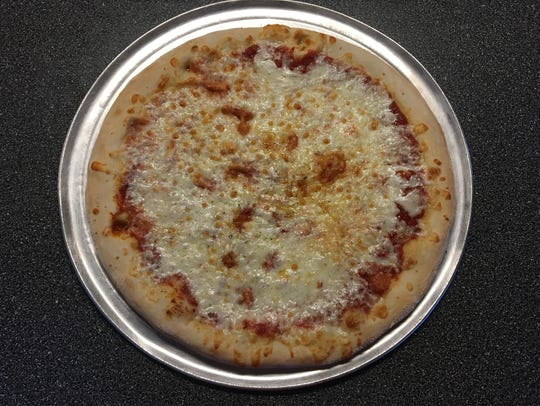 The cheese pizza at Starz Pizzeria in south Fort Myers.